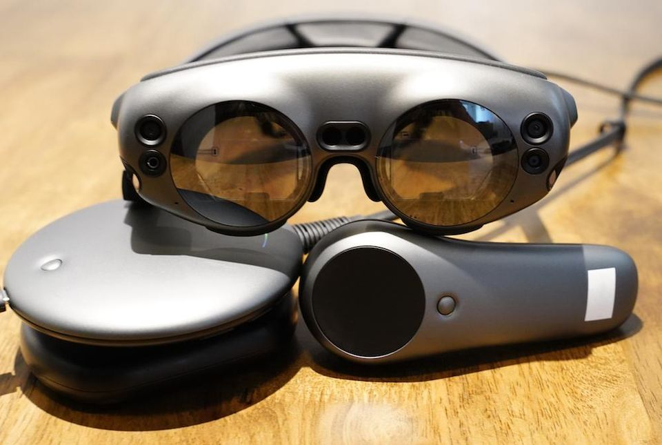 https___blogs-images.forbes.com_moorinsights_files_2018_10_MagicLeapOne.jpg